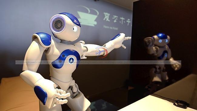 Khách sạn có tiếp viên hoàn toàn bằng robot