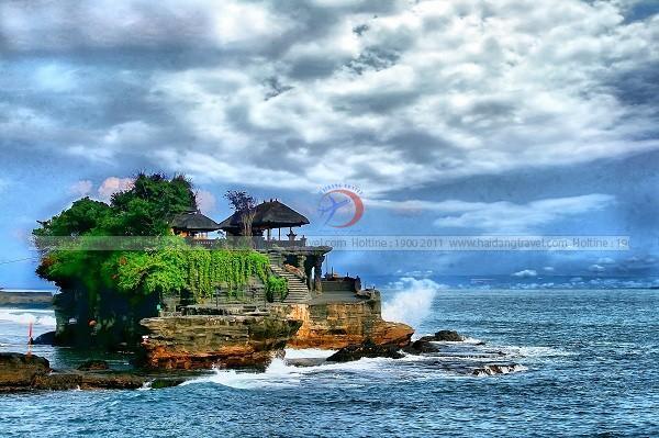 """Khám phá """"thế giới """" đảo tuyệt đẹp của Indonesia"""