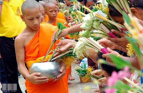 Lễ Hội Thái Lan - Đầy Truyền Thống Và Dí Dỏm