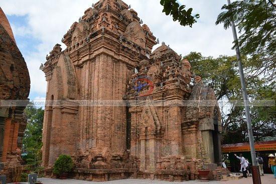 Những địa điểm tham quan và vui chơi nổi tiếng ở Nha Trang