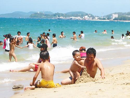 Những lưu ý cần biết khi đi tắm biển - Haidangtravel.com