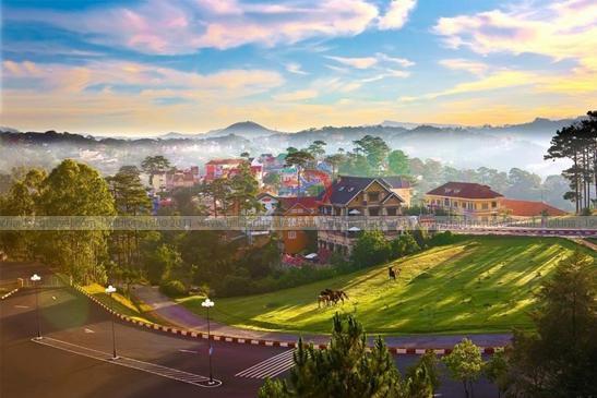 Tour Đà Lạt Cơm Lam, Thưởng Thức buổi Tiệc Thịt Rừng 3n3d