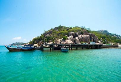 Tour Nha Trang Robinson Trên Đảo Bích Đầm Buffet Hải Sản Cá Sấu Nguyên Con Tàu 5 Sao Nha Trang